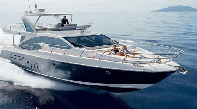 Моторные яхты с флайбриджем
